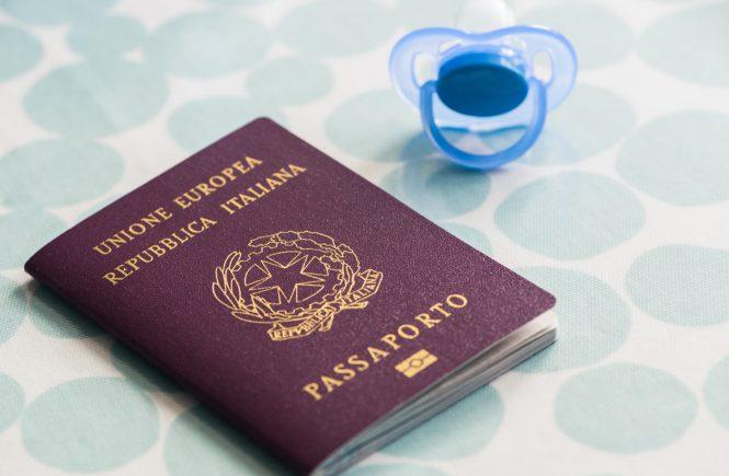 Registrare una nascita e ottenere il passaporto italiano in UK
